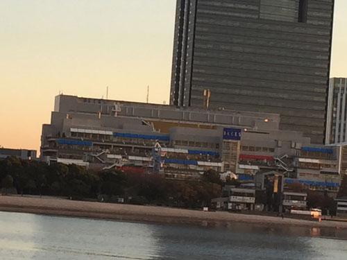 お台場海浜公園と海辺のレストラン