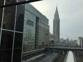 バスタ新宿から見たタイムズスクウェア、ドコモタワー