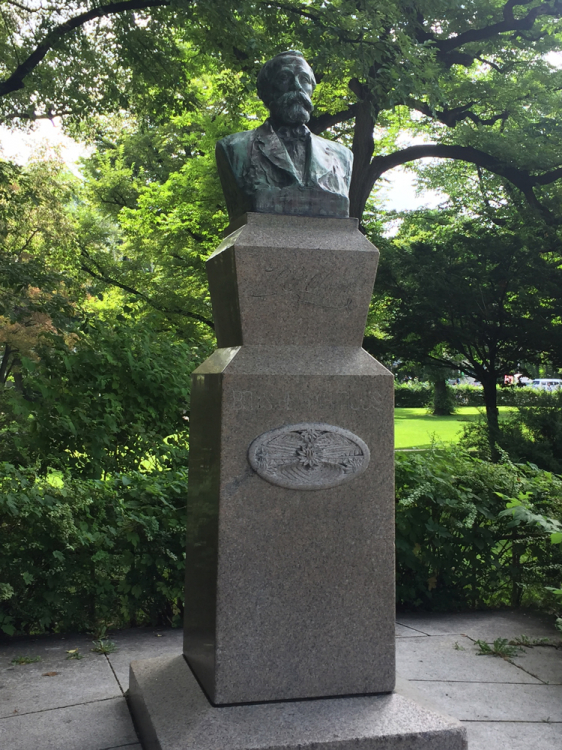 北海道大学 クラーク像