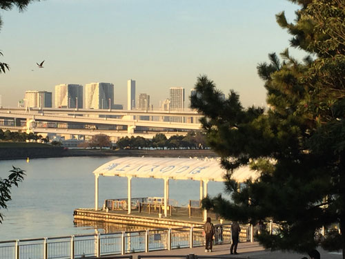 水上バス、東京湾クルーズ 台場乗り場