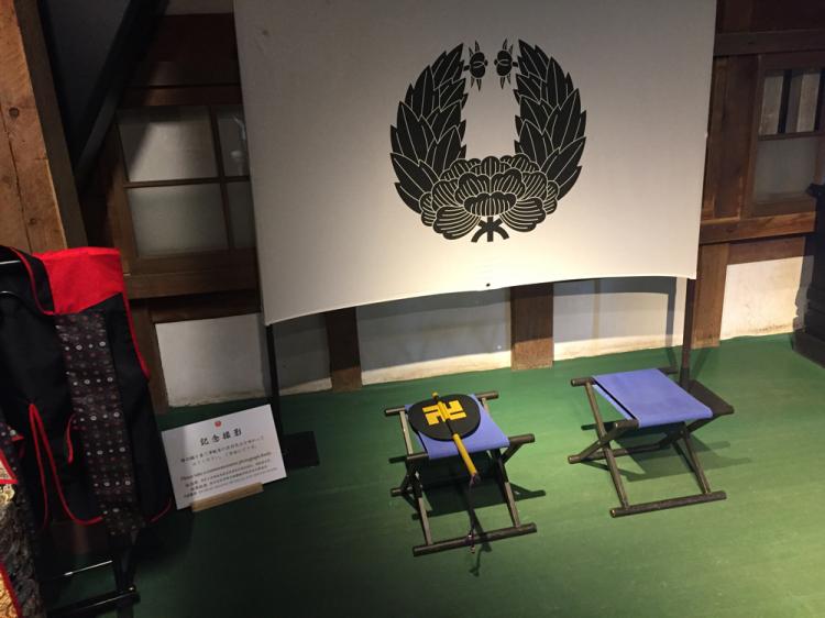 弘前城内部、津軽藩家紋
