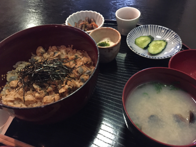 宍道湖の特産品:しじみを使ったしじみ丼、しじみ汁:季節の風 蔵
