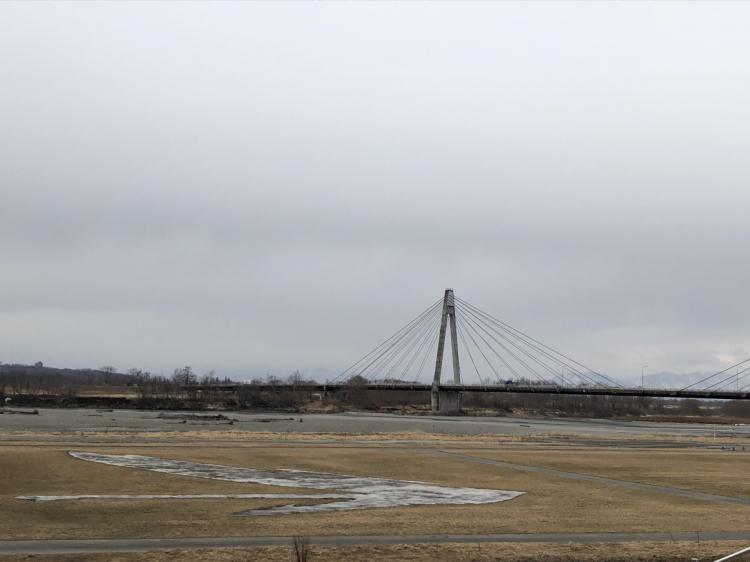 十勝川沿い、写真は十勝中央大橋