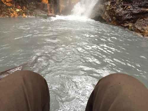 登別 天然の川の足湯