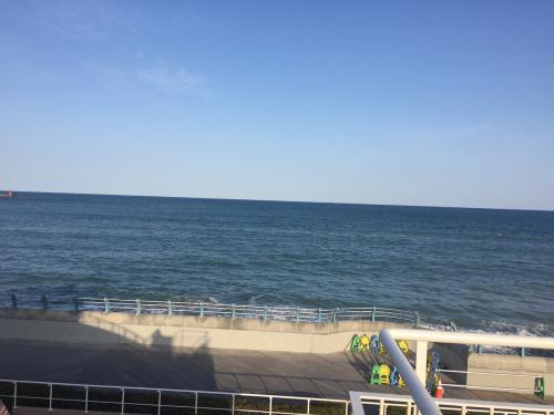 水族館からみる大洗海岸