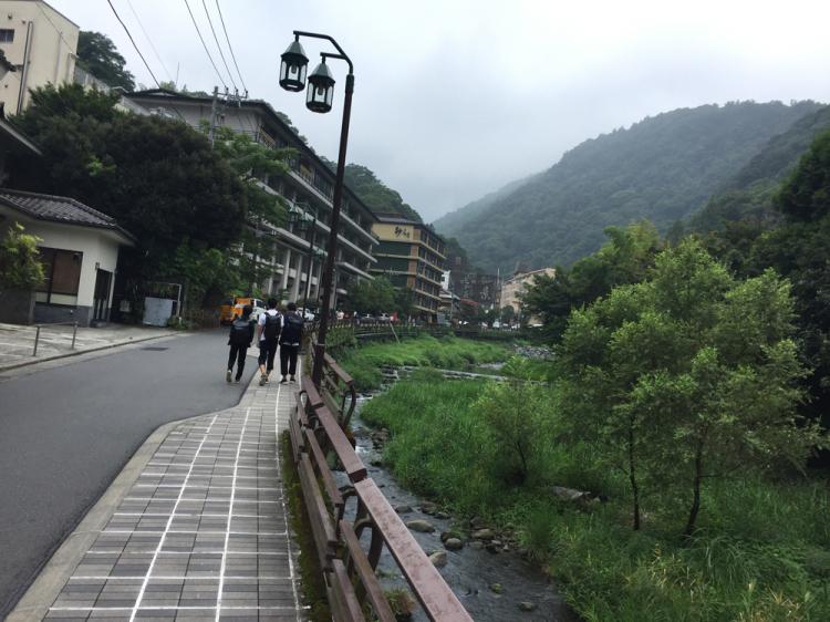 須雲川沿い温泉街