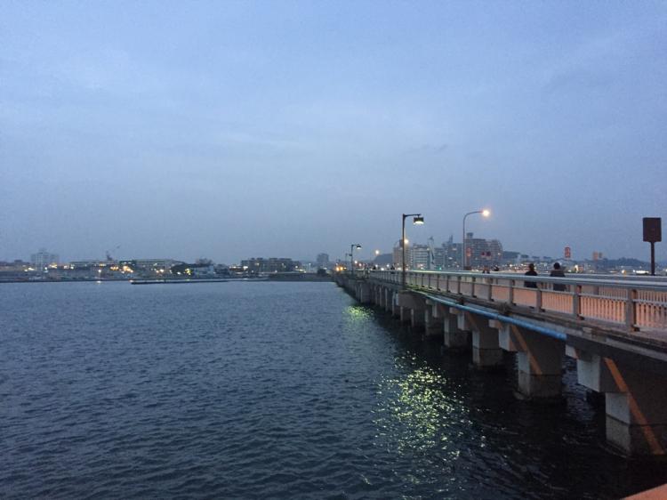 江の島と湘南海岸を結ぶ橋(江の島大橋)