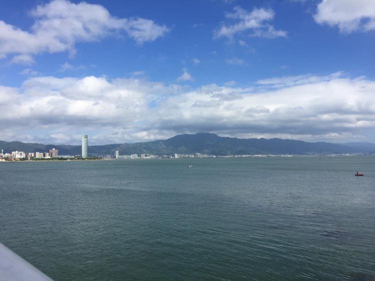 おうみおおはしより琵琶湖