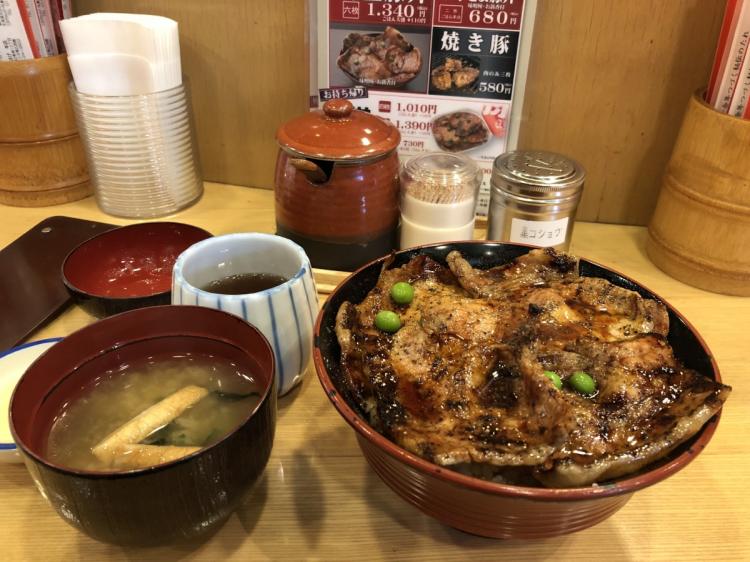 帯広名物の豚丼